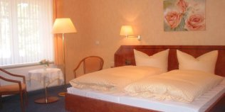 Hotel Undeloher Hof, Restaurant und Kutschfahrten - Foto 1