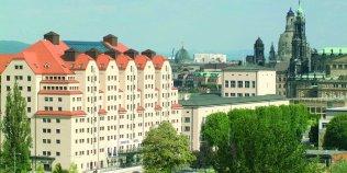 """Restaurant """"Wintergarten"""" mit Elbterrasse / Maritim Hotel Dresden - Foto 1"""